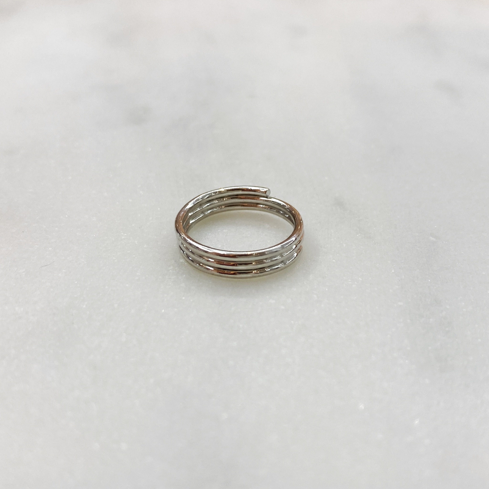 Кольцо на фалангу трехрядное (серебристый)