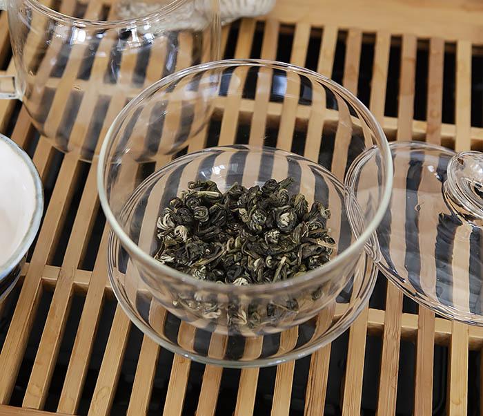 TEA-CH101 Зеленый чай «Изумрудные Спирали Весны» (Билочунь, Юньнань, 50 гр) фото 06