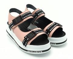 Розовые кожаные сандалии на горке в спортивном стиле