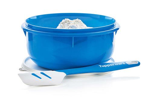 Силиконовый скребок в голубом цвете и замесочное блюдо 3л