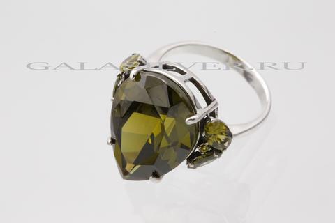 Кольцо с фианитом оливин из серебра 925