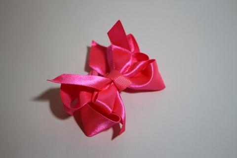Цвет: ярко-розовый