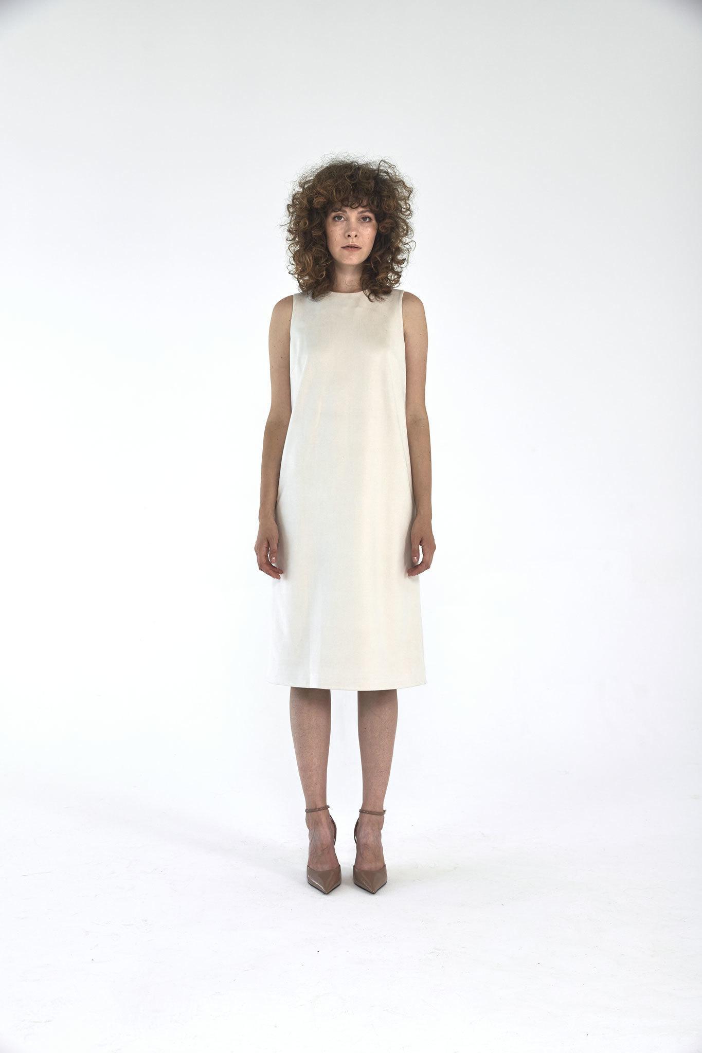 Платье-футляр миди из искусственной замши, молоко
