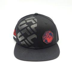 Кепка- снепбек с вышитым логотипом ЮФС Рибок (Бейсболка с прямым козырьком UFC RUS Reebok) черная