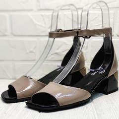 Квадратные босоножки на каблуке с ремешком вокруг щиколотки Derem 602-464-7674 Beige Black.