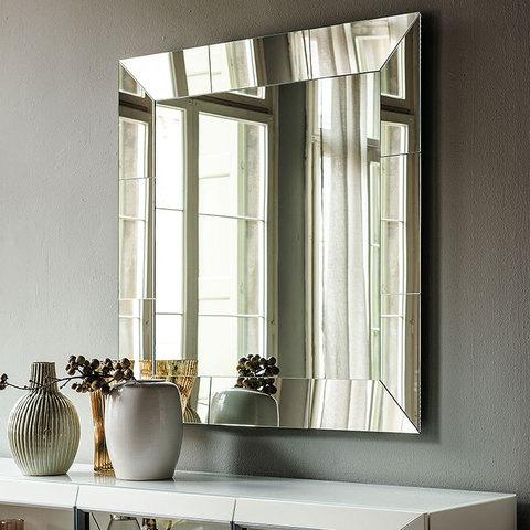 Зеркала Regal, Италия