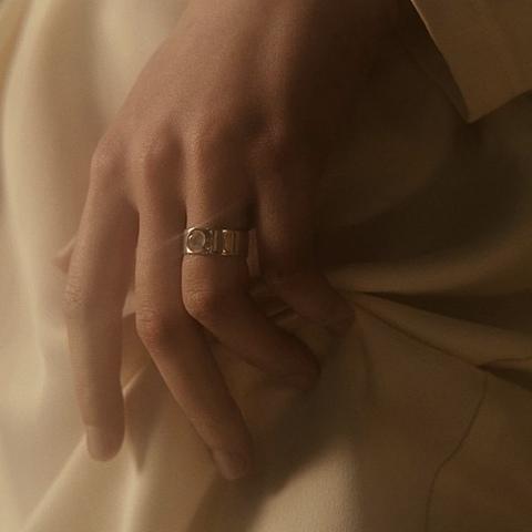Кольцо THETA - Лунный камень