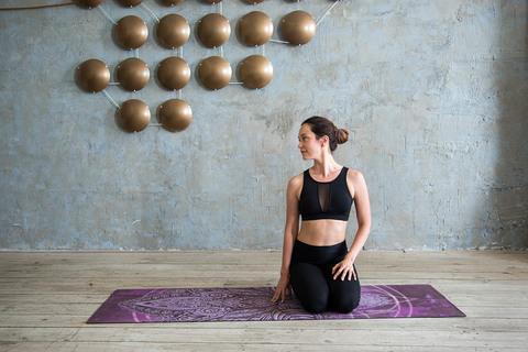Коврик для йоги Ночь 183*61*0,35 см из микрофибры и каучука