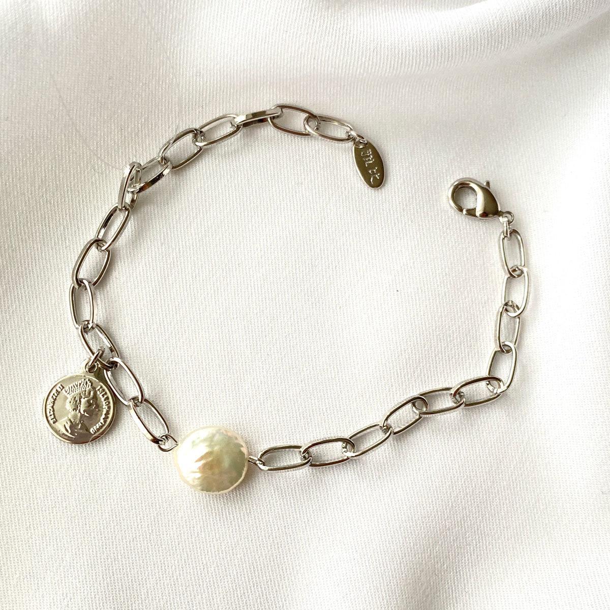 Браслет-цепь монетка и барочный жемчуг серебряный