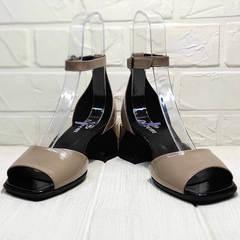 Кожаные женские босоножки с ремешком на щиколотке Derem 602-464-7674 Beige Black.