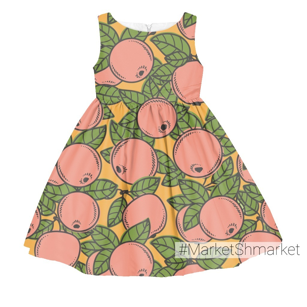 Розовые яблоки на желтом фоне