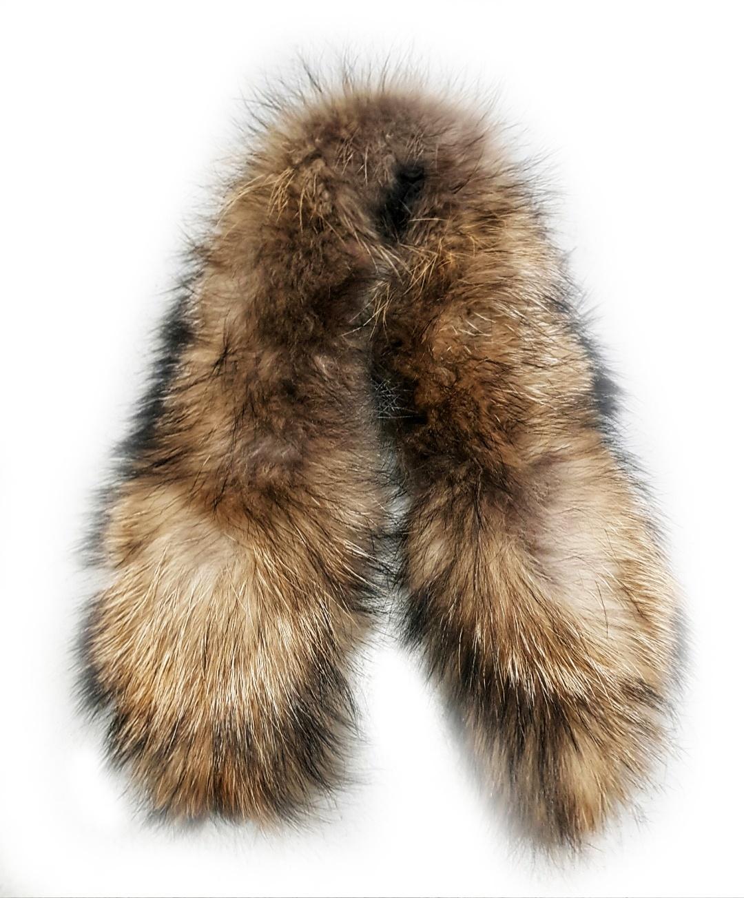 Опушка меховая на капюшон из натурального меха енот 78см.