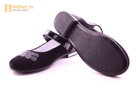 Туфли для девочек из натуральной кожи и велюра на липучке Лель (LEL), цвет черный. Изображение 10 из 17.