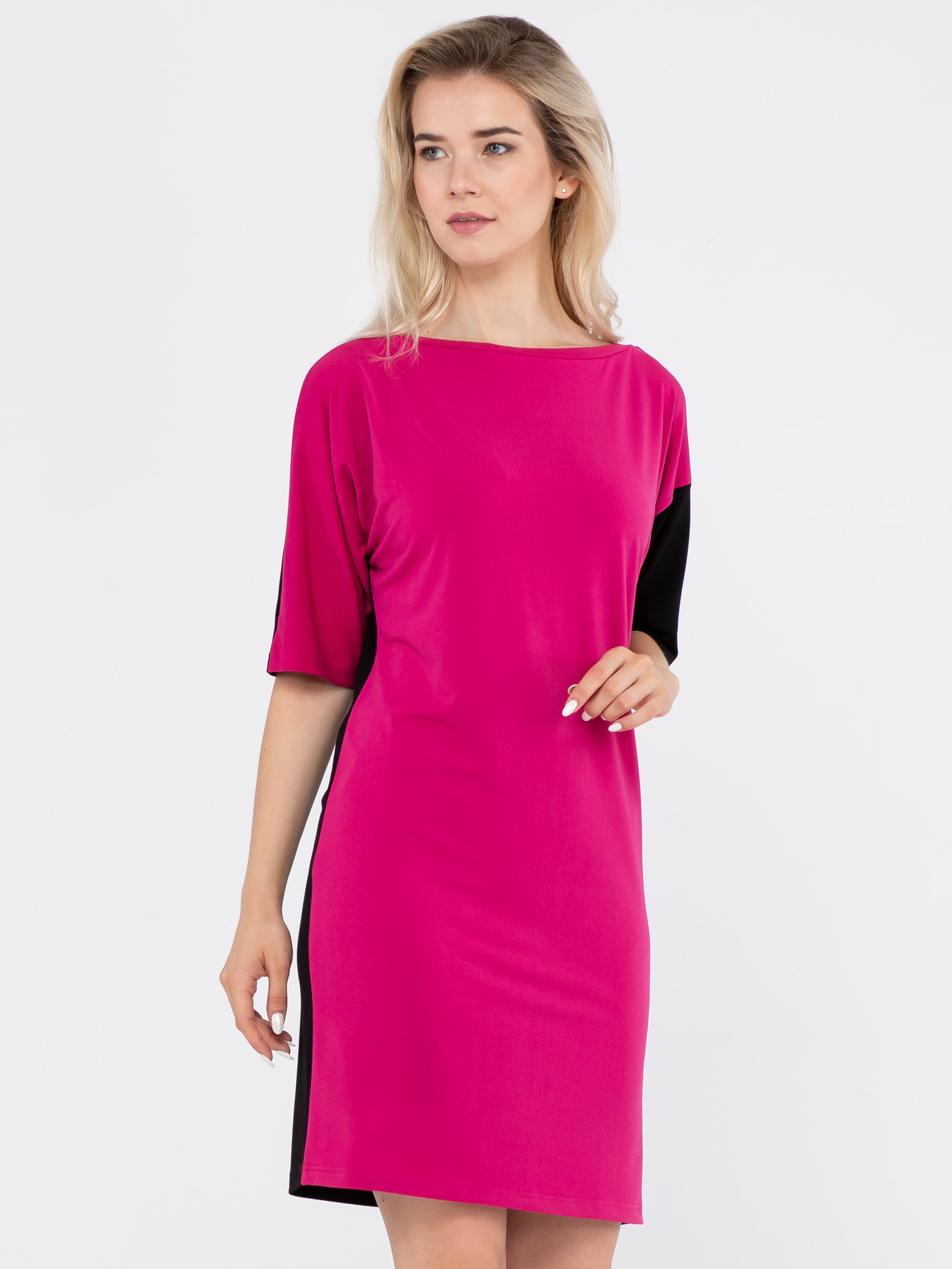 Платье З780-208 - Платье свободной формы с оригинальными рукавами - один рукам цельнокроеный двухцветный, другой втачной однотонный. К платью легко подобрать различные аксессуары, чтобы выглядеть каждый раз по разному.