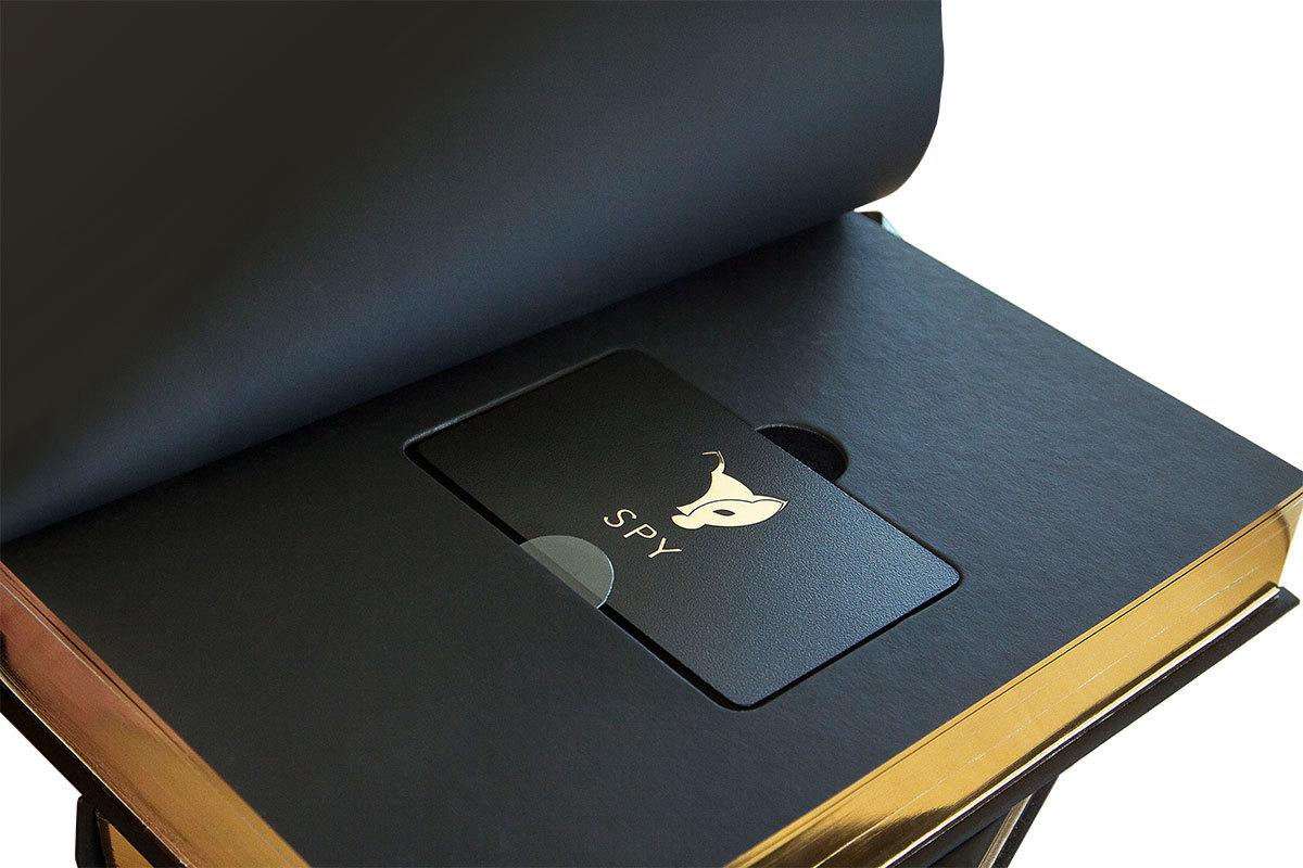 Премиальная упаковка для пластиковой карты в виде книги-тайника