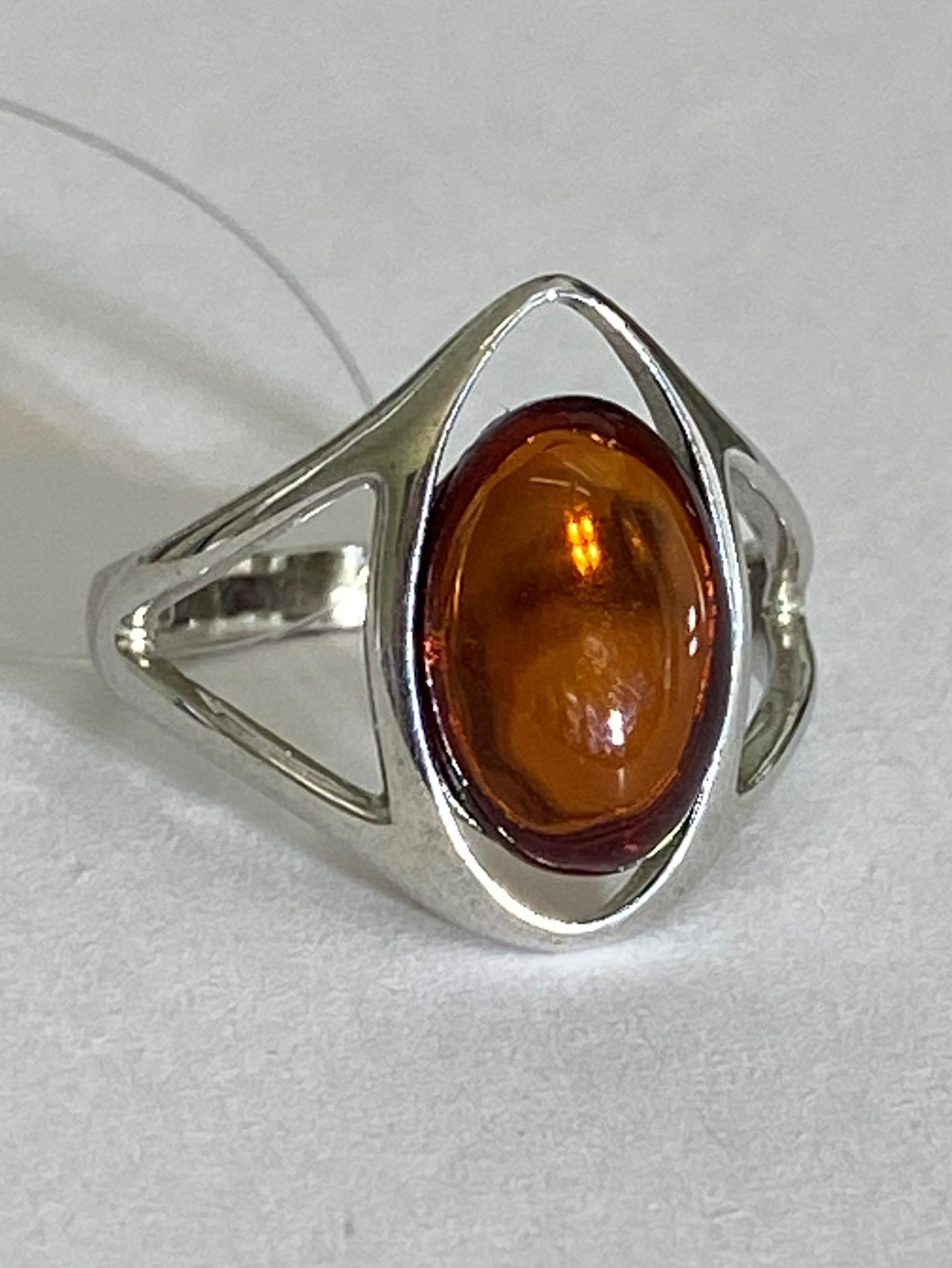 Янтарь 0441 (кольцо из серебра)