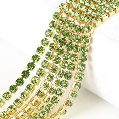 Купить стразовые цепи в Москве оптом Peridot зеленые