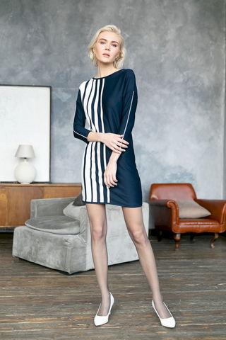 Фото короткое платье с рукавами 3/4 в вертикальную полоску - Платье З480-041 (1)