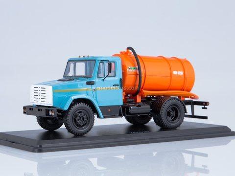 ZIL-4333 Vacuum machine KO-520 (4333) 1:43 Start Scale Models (SSM)