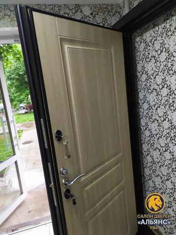 Входная дверь для частных домов с терморазрывом