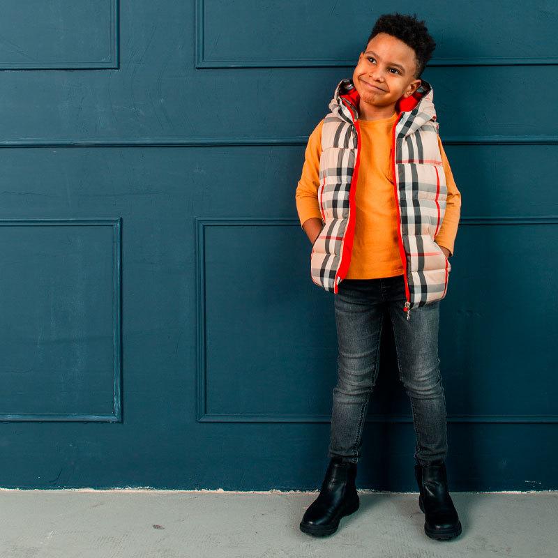 Детский жилет с авторским принтом для мальчика