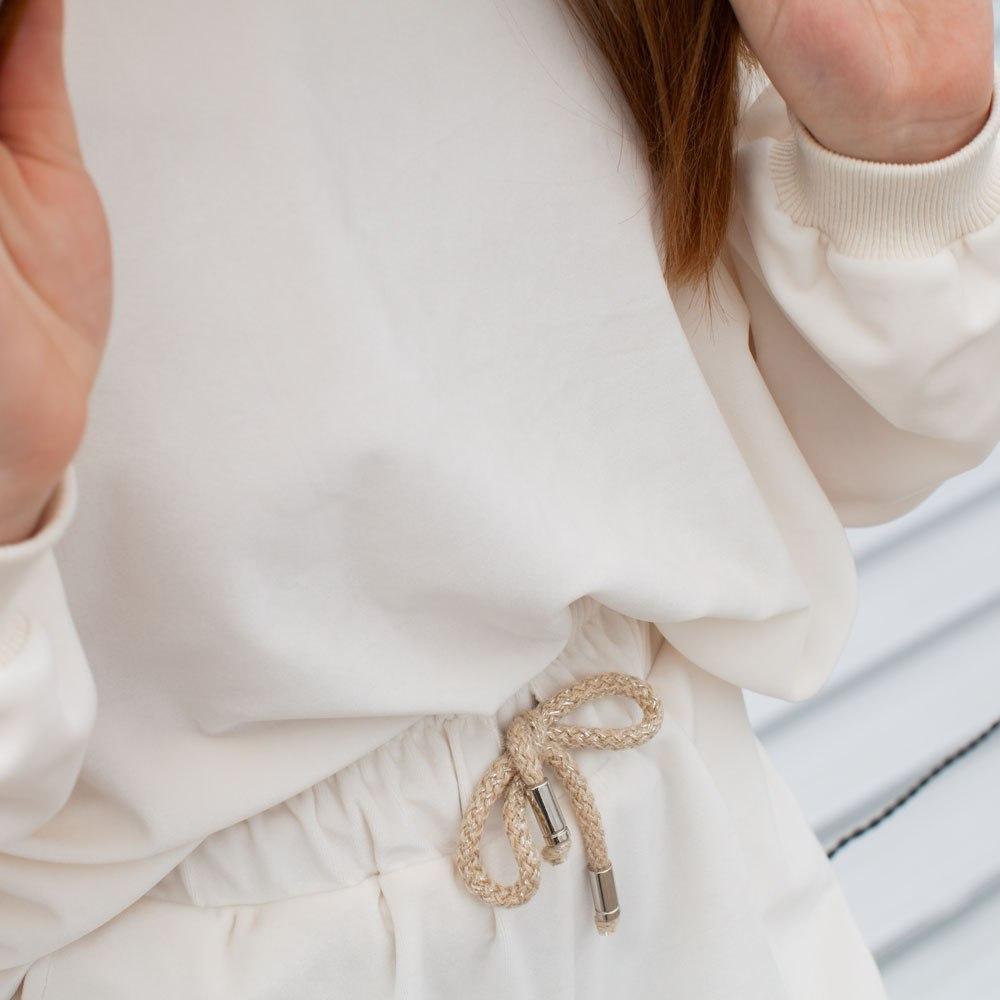 Літній велюровий костюм із світшота і шорт на дівчинку білого кольору