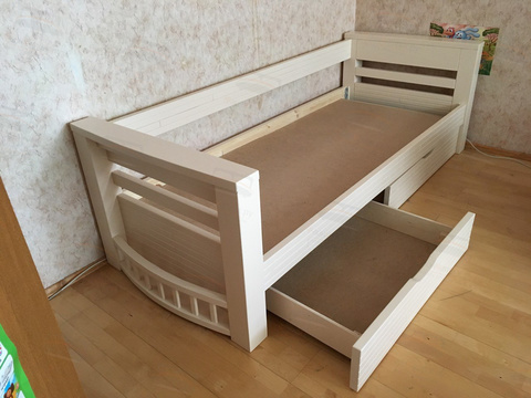кровать шатл с ящиками и подматрасником из фанеры
