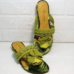 Зеленые шлепки вьетнамки с цветами женские Marco Tozzi 2-27104-20 Green.