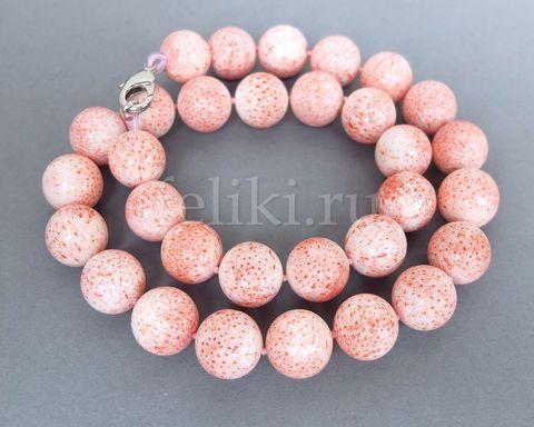 бусы из розового коралла
