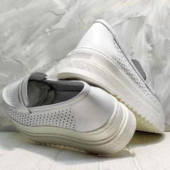 Кожаные лоферы кроссовки женские белые Derem 372-17 All White.