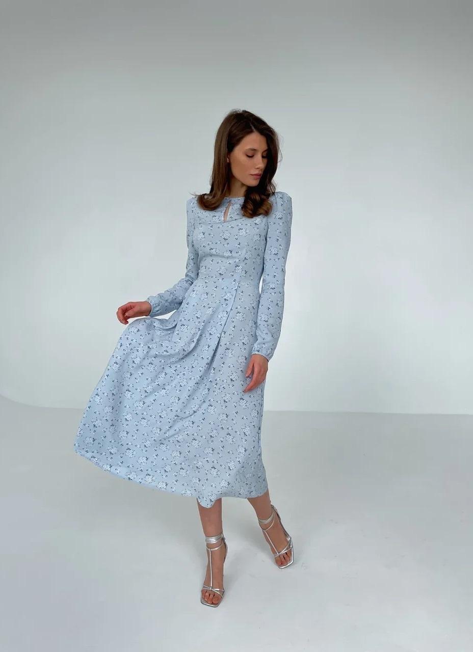 Платье из вискозы с пышным рукавом (цветы на голубом)