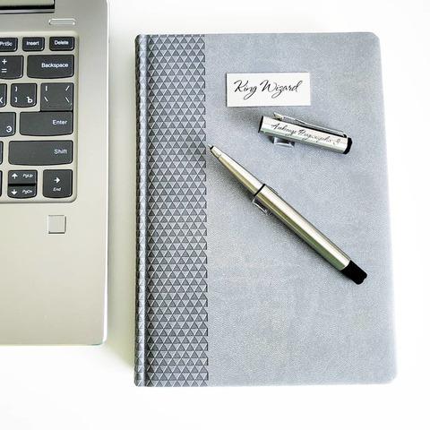 Набор с гравировкой: Ежедневник недатированный и ручка-роллер Parker Vector T03 Steel123