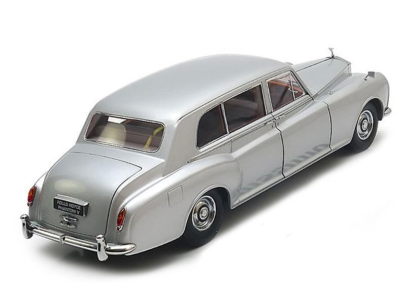 Коллекционная модель Rolls-Royce Phantom V 1964 Silver RHD