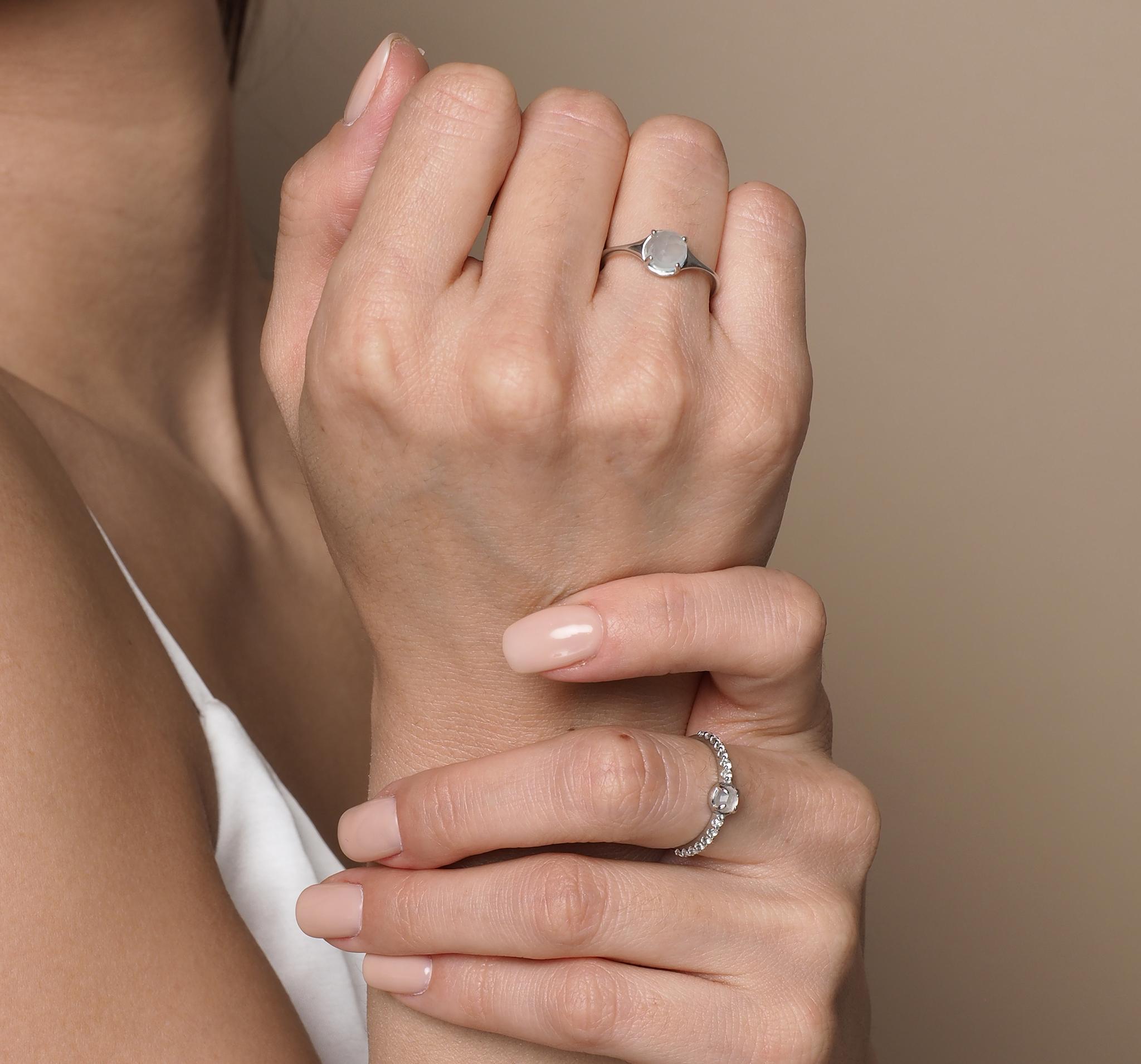 Кольцо с лунным камнем и с дорожкой из топазов от BLAGENA