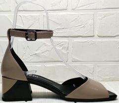 Вечерние босоножки на каблуке с ремешком на щиколотке Derem 602-464-7674 Beige Black.