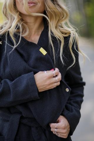 Пальто тонкое черное