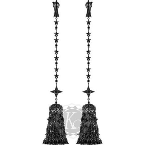 4640 -Серьги длинные из серебра в черном родаже с густой кисточкой