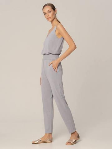 Женские брюки с карманами светло-серого цвета из шелка и вискозы - фото 4