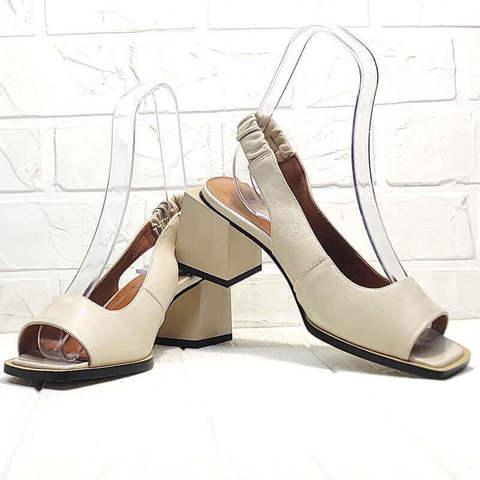 Бежевые босоножки женские. Кожаные босоножки с квадратным носком. Модные босоножки на квадратном каблуке Brocoli - Cream.