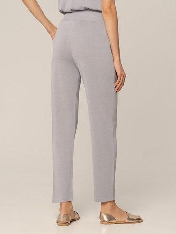 Женские брюки с карманами светло-серого цвета из шелка и вискозы - фото 3