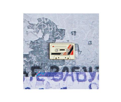 Значок металлический 90 Кассета Белая