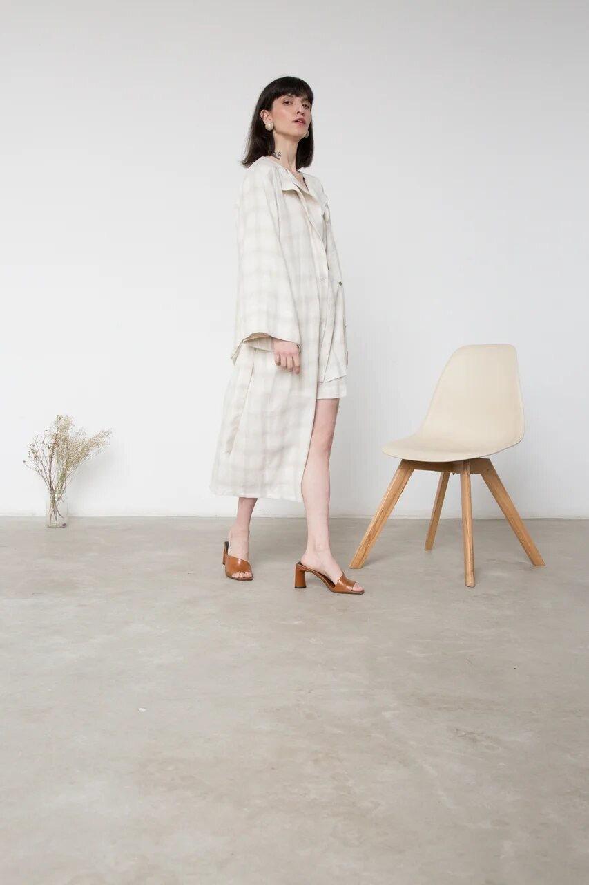 Платье-халат на поясе, цвет: беж в клетку