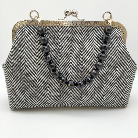 Цепочка для сумочки из черных бусин  16 мм., на карабинах