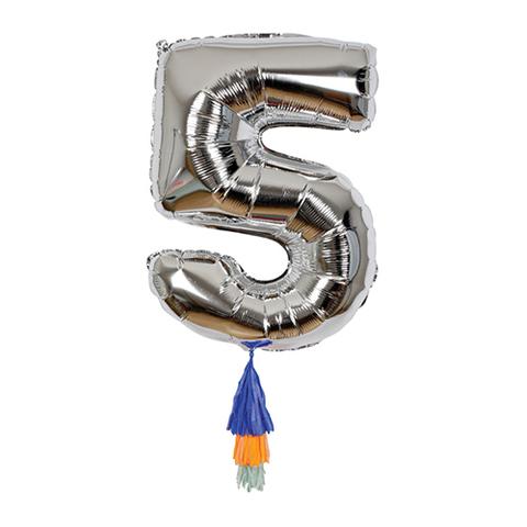 Воздушный шар в форме цифры 5