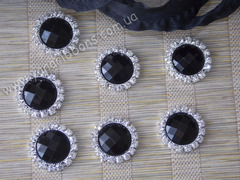 Камни круглые в стразовом обрамлении черные