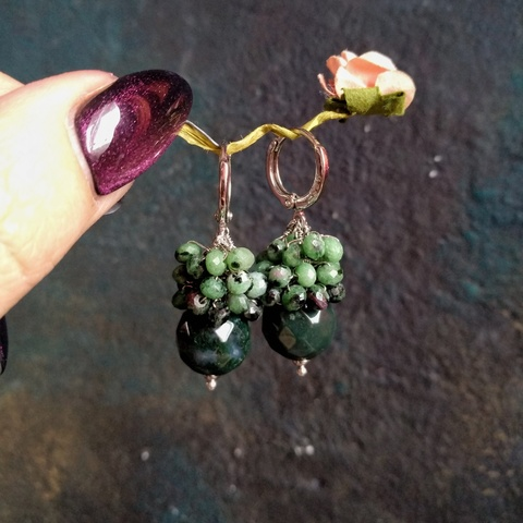 Серьги из натуральных камней  цоизита и мохового агата