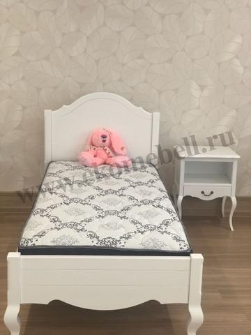 Односпальная кровать в стиле прованс фото
