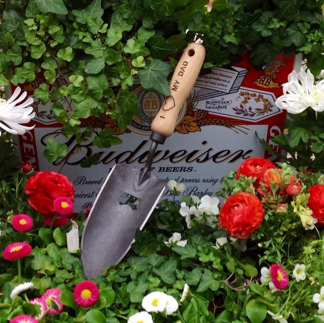 Совок садовый, посадочный, с кованым полотном и открывалкой DeWit