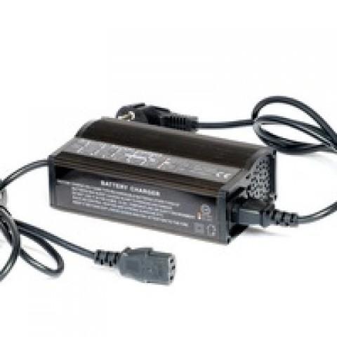 Зарядное устройство EVEREST EVE-24-08