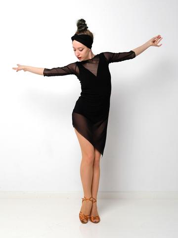 Платье из сетки с разрезом